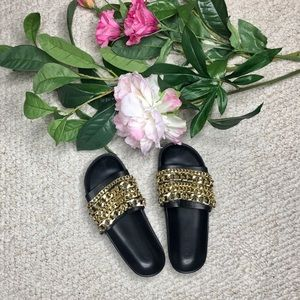 KENDALL & KYLIE Shiloh chain slide.